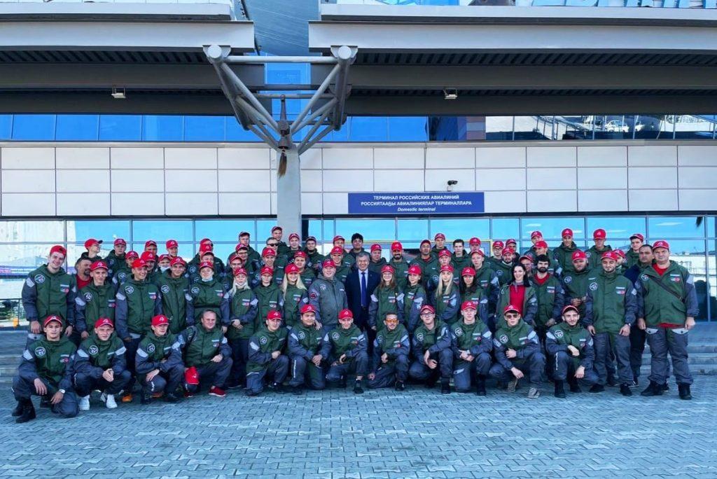 Николай Валуев и 75 добровольцев из российских регионов сегодня прибыли в Якутию, чтобы восстановить село Бясь-Кюёль