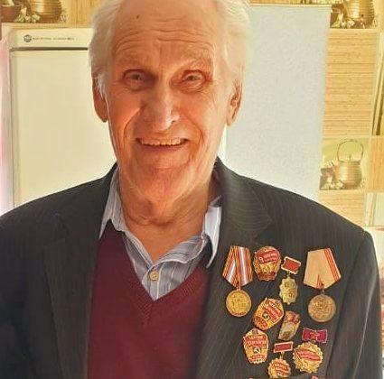 Ветеран Андрей Петрович Дунаев рад гостям из Энергии